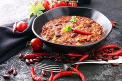 Varm chili con carne - kryddig mexikansk mat som är smaklig och Arkivfoto