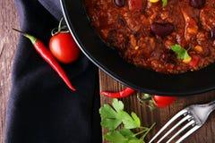 Varm chili con carne - kryddig mexikansk mat som är smaklig och Arkivfoton