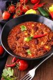 Varm chili con carne - kryddig mexikansk mat som är smaklig och Royaltyfri Bild