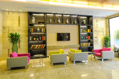 Varm hotelllobby Arkivbild