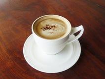 Varm kopp kaffecappuccino Royaltyfri Foto