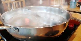 Varm kruka i japansk restaurang royaltyfri foto