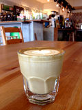 varm latte Arkivfoton