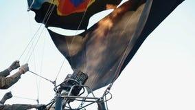 Varm luft som driver luftballongen arkivfilmer