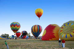 varm luftballon samlar Royaltyfria Bilder