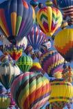 varm luftballongflygande Royaltyfria Bilder