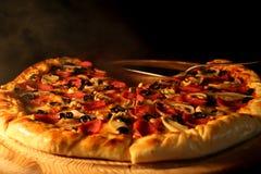 varm pizza Royaltyfri Foto