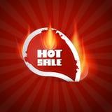 Varm Sale etikett med flammor Royaltyfri Fotografi
