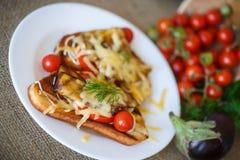 Varm smörgås med aubergine Arkivfoton