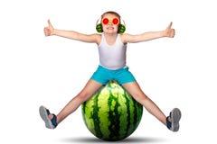 varm sommar Barns fantasier S?ta saftiga frukter royaltyfria bilder