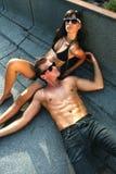 varm sommar för par arkivfoto