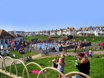 Varm sommardag i hivade Brighton Sussex Royaltyfria Bilder