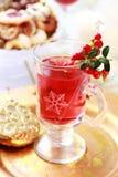 varm stansmaskinwine för cranberry royaltyfria foton
