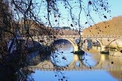 Varm vinter i Europa, bro Royaltyfria Bilder