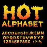 Varmt alfabet Flammastilsort brännheta bokstäver Brinnande abc Brandtypog Royaltyfri Bild
