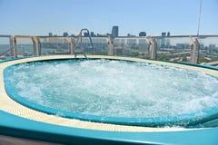 Varmt bada på kryssningskeppet royaltyfri bild