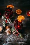 Varmt funderat vin för jul royaltyfri foto