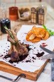 Varmt kött på maträtt Royaltyfri Bild