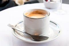 varmt kaffe Arkivfoton