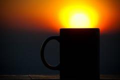 Varmt kaffe i morgonen royaltyfri bild