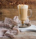 Varmt kaffe med piskad kräm Royaltyfri Foto