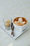 Varmt latte och socker Royaltyfri Foto