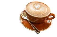 Varmt Mocca kaffe med lattekonst i hjärtaform Royaltyfri Bild