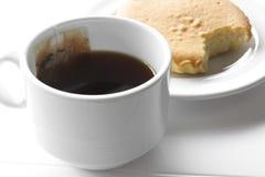 varmt te med kakan Royaltyfria Foton
