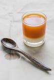 Varmt te med mjölkar Royaltyfri Fotografi