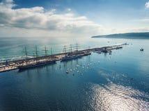 Varna Bułgaria, Październik, - 2, 2016: Czarny Denny Wysoki statku Regatta, Obraz Royalty Free