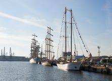 Varna Bułgaria, Październik, - 02: Międzynarodowego Regatta SCF czerni DENNI WYSOCY statki REGATA 2016 Obrazy Stock