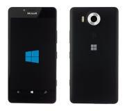 Varna, Bulgária - 10 de dezembro de 2015: Telefone celular Microsoft modelo Imagens de Stock