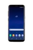 Varna, Bulgária - maio, 11, 2017: Tiro do estúdio do smartphone da galáxia S8 de Samsung Imagem de Stock