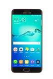 Varna, Bulgária - outubro, 04, 2016: Smartphone da galáxia S6 Edge+ de Samsung fotografia de stock