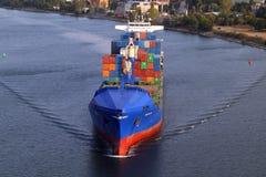 VARNA, BULGARIEN - 26. SEPTEMBER: Türkisches Frachtschiff Lizenzfreie Stockbilder