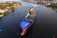 VARNA, BULGARIEN - 26. SEPTEMBER: Türkisches Frachtschiff Lizenzfreie Stockfotografie