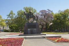 VARNA, BULGARIEN - 11. APRIL 2015: Monument zu König Kaloyan lizenzfreie stockfotografie