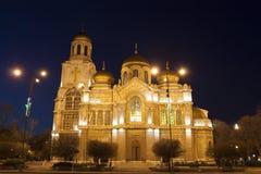 VARNA, BULGARIEN - 11. APRIL 2015: Orthodoxe Kathedrale von Assumpti Lizenzfreie Stockfotografie
