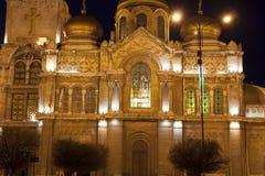 VARNA, BULGARIEN - 11. APRIL 2015: Orthodoxe Kathedrale von Assumpti Stockbilder