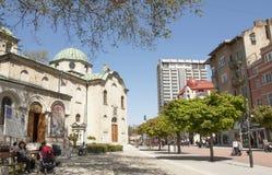 VARNA, BULGARIEN - 2. MAI 2017: Orthodoxe Kirche St. Nicolas auf Boulevard knyaz Boris I lizenzfreie stockfotos