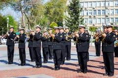 Varna Bulgarije 07 de Militaire Band die van Mei 2017 Internationale Lopende Marathon openen stock afbeelding