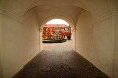 Varna BZ 2 de noviembre de 2017: El antiguo bien de maravillas en la abadía de Novacella, el Tyrol del sur, Bressanone, Italia Foto de archivo libre de regalías