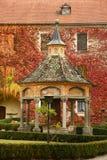 Varna BZ 2 de noviembre de 2017: El antiguo bien de maravillas en la abadía de Novacella, el Tyrol del sur, Bressanone, Italia Fotografía de archivo