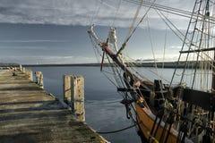 Varning! Det finns piratkopierar i port Royaltyfri Fotografi