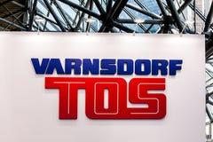 Varnsdorftos bedrijfembleem op de muur Stock Fotografie