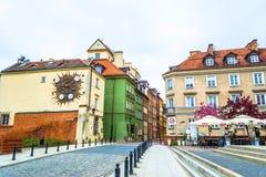 """Varsóvia, †do Polônia """"7 de maio de 2017: Rua na cidade velha de Varsóvia foto de stock"""