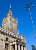 Varsóvia/Polônia - 3 de abril de 2019 Palácio da cultura e da ciência no centro da cidade foto de stock