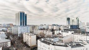 VARSÓVIA, POLÔNIA - 5 DE JANEIRO DE 2018 Ideia aérea do zangão de cima do centro da cidade Fotos de Stock Royalty Free