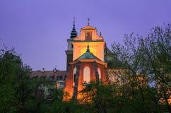 Varsavia, Polonia, Città Vecchia, vista di notte della chiesa del ` s di St Anne Fotografie Stock