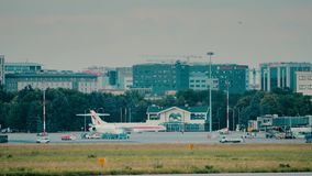 VARSAVIA, POLONIA - 15 GIUGNO 2018 Aeroplano polacco di governo all'aeroporto di Chopin stock footage